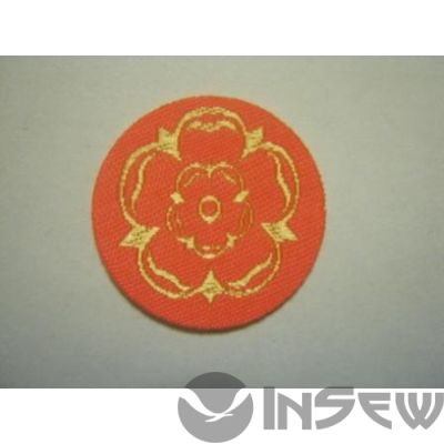Нашивки на одежду с логотипом